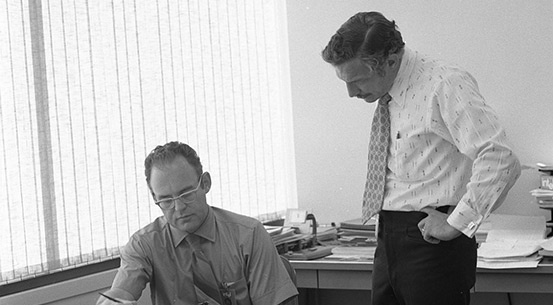 a history of intel corporation robert noyce and gordon moore Robert noyce, one of the inventors of the integrated circuit and cofounder, along with andy grove and gordon moore, of intel corp courtesy: intel.